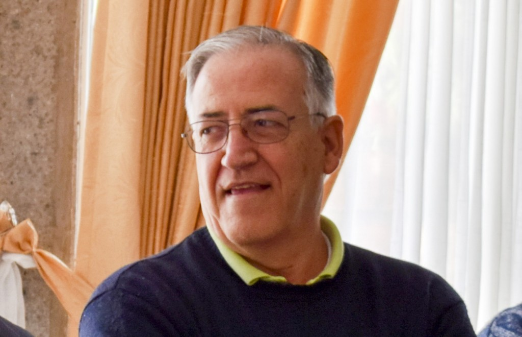 padre_Manolo_Loro