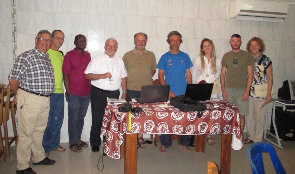 Visita do bispo do Vicariato de Tucupita à comunidade IMC – Foto: Arquivo IMC
