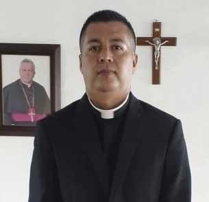Elmer-ordenacao-sacerdotal3